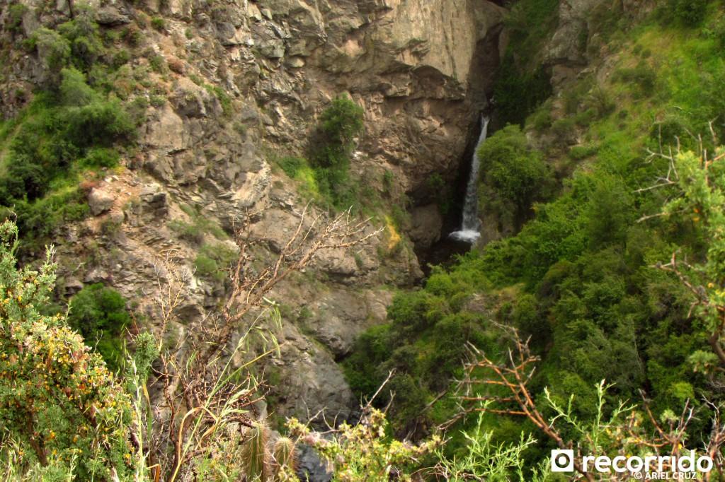 Mirador del Encañado, vista de otros saltos en la zona