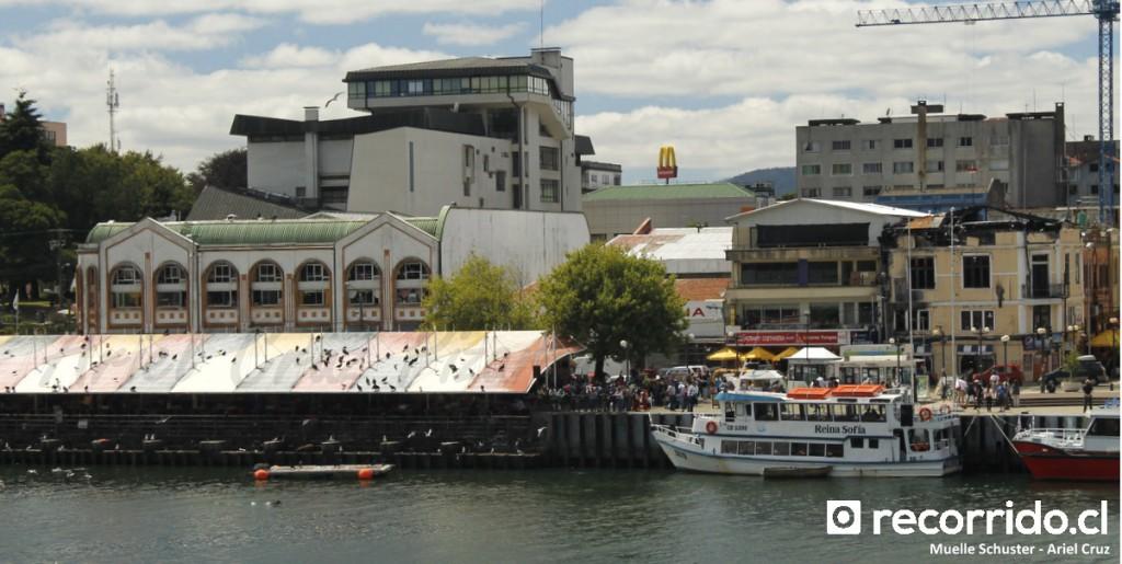 Muelle Schuster - Feria Fluvial - Valdivia - Catamarán - Reina Sofía