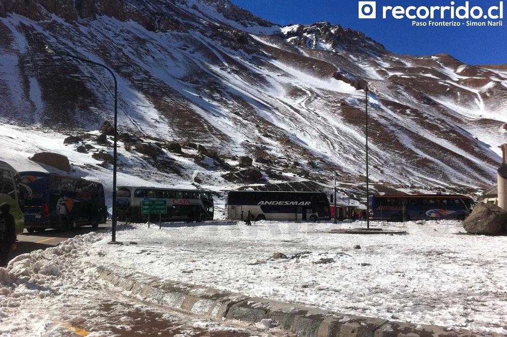 simon narli - cordillera de los andes - andesmar - buses - aduana - paso los libertadores - chile - argentina - mendoza