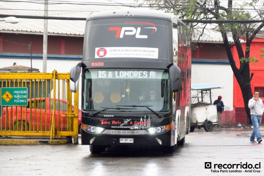 Bus 8x2 TPL en Santiago